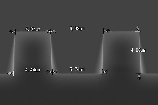 SiO2深堀り加工-2 断面形状