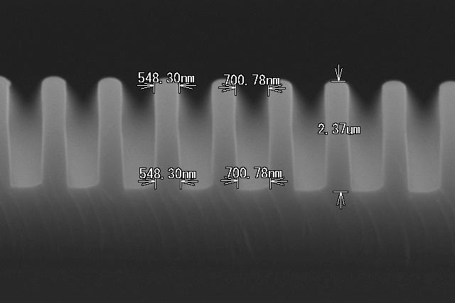 SiO2 LS 0.6um加工 断面形状